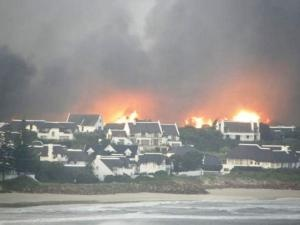 100 houses gutted in St Francis Bay blaze
