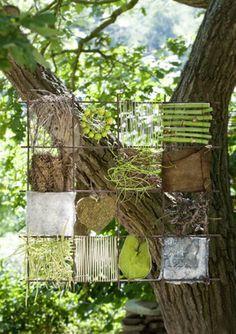 """Etwas Draht, eine Stahlmatte und einige Naturmaterialien. Mehr ist nicht nötig, um die """"Naturbilder"""" anzufertigen, die Floristmeisterin Anne Bussen..."""