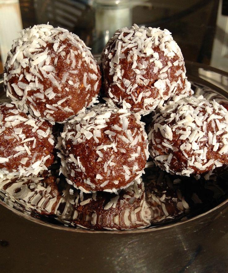 Chocolate Truffles: Healthy Cacao Chocolate Balls #vegan #recipes #cacao