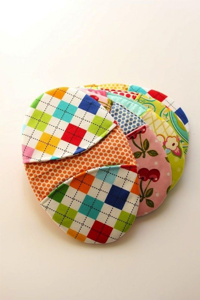 Use fabric scraps to sew a set of potholders.