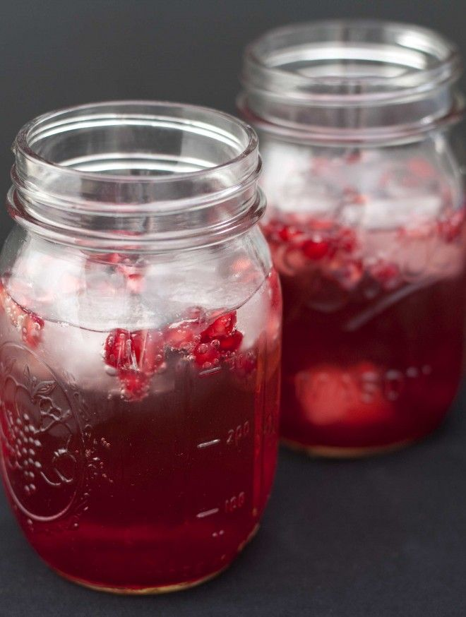 311 best pomegranate fruit images on pinterest for Champagne drinks with fruit