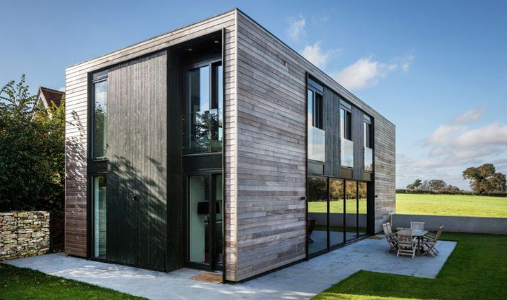 Sandpath Architect: Adrian James Architects A self-build house in the countryside near Oxford, completed 2014.The budget was tight so the house is really simple: a clean cuboid form with no frills,