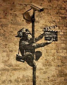 Banksy canvas Monkey Director Street Art Grafitti 16 x 20 inch premium print