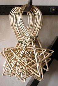 Christmas DIY: making willow christ making willow christmas decorations - Google Search #christmasdiy #christmas #diy