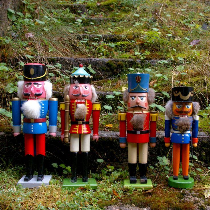 Старинные щелкунчики из Германии ретро игрушки винтаж