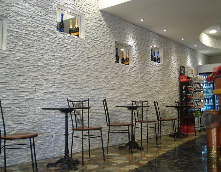 17 migliori idee su Muri In Pietra Interni su Pinterest  Armadi scuri, Pareti in finta roccia e ...
