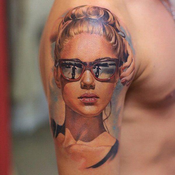 Portrait Tattoo Frau