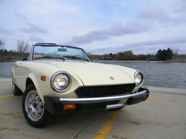 Fiat Spider 2000 USA-HOW WE USED TO ROLL!