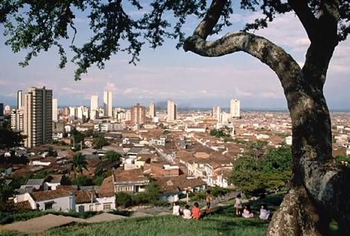 My Roots; Cali, Colombia <3 I sat in this exact spot, many times. Cali, desde San Antonio <3