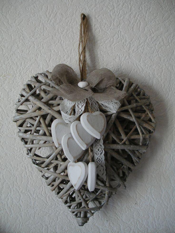 Très joli coeur en rotin