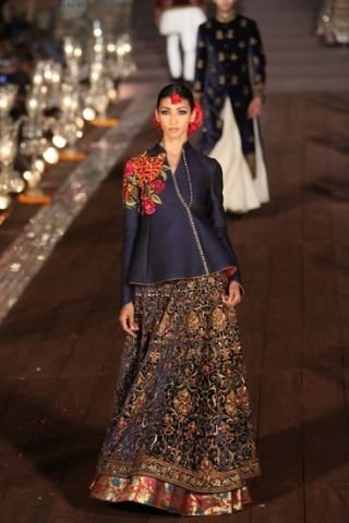Rohit Bal. WLFW S/S 15'. Indian Couture.
