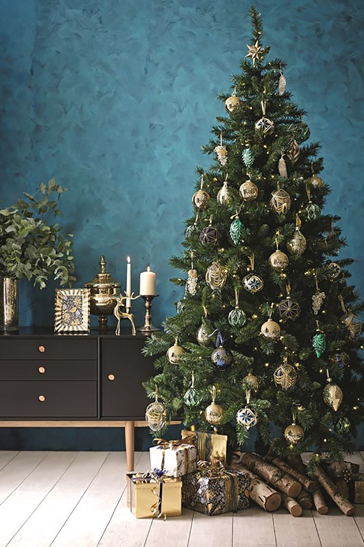Blue christmas tree decorations - Find This Pin And More On Christmas Trees Decorations
