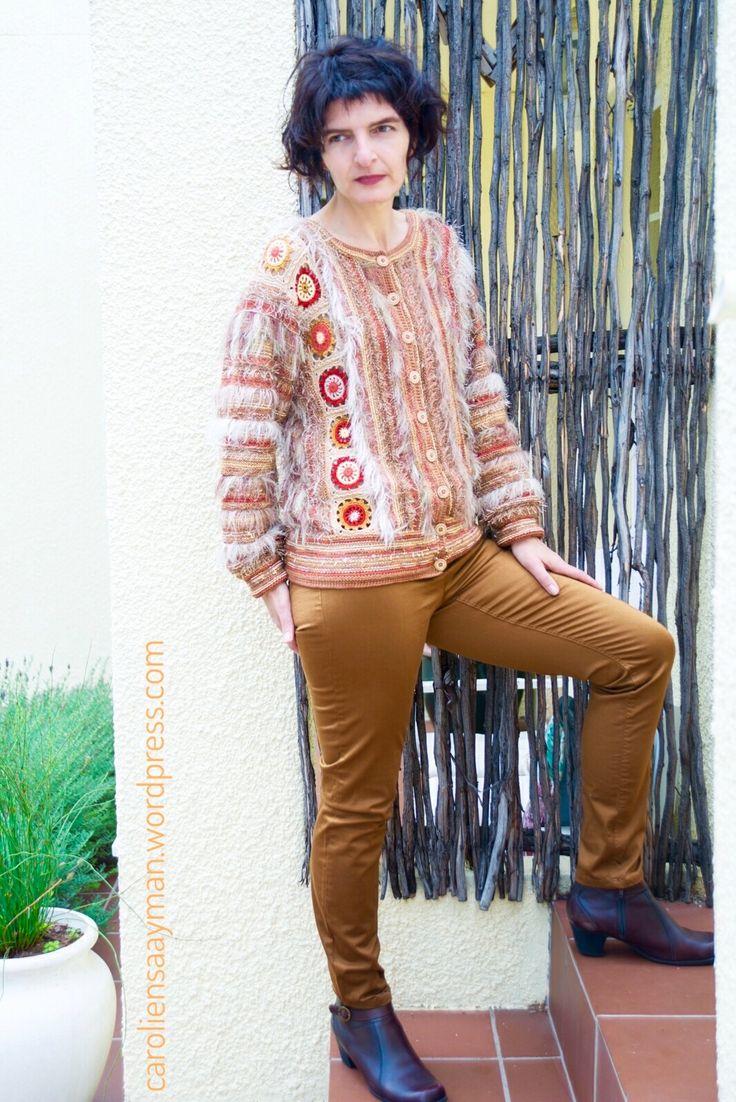 Cardigan in autumn colours. caroliensaayman.wordpress.com #wearableart #knittersofinstagram #knittersoftheworld #knittinglove #crochet #embroidery #knitting #caroliensaayman