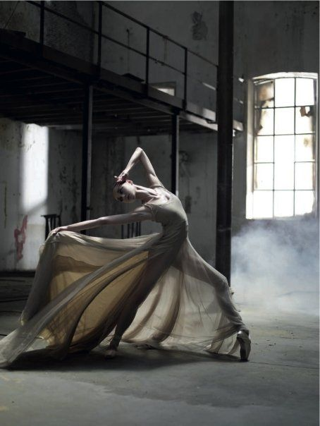"""Passion ... """"Existence is a series of footnotes to a vast, obscure, unfinished masterpiece.""""     ― Vladimir Nabokov: Dance Photography, En Points, Photo Unknown, Lucia Lacarra, Dance Dresses, Flowing En, Inspiration Art, Dance Ballet, Photography Inspiration"""