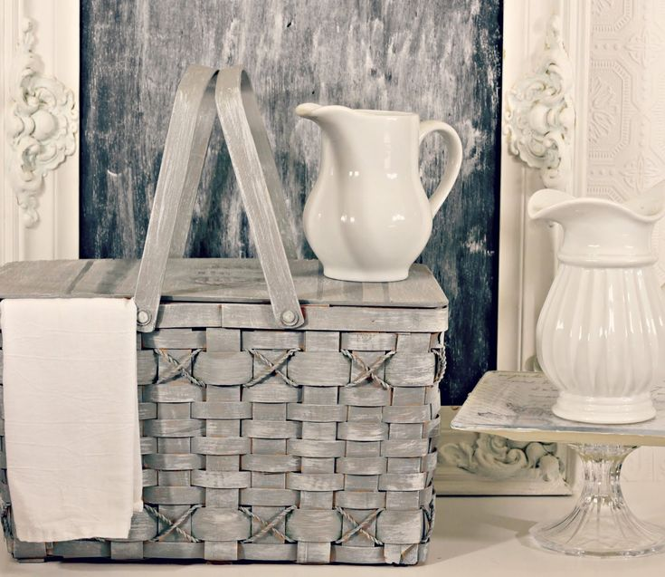 Shabby Sweet Cottage: My New Old Basket I ❤ the whole look