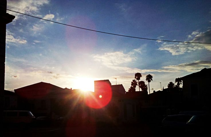 """""""Εκ του οράν το εράν"""" [μτφρ:από αυτά που βλέπουμε δημιουργείται ο έρωτας] #mesologgi  #beautifuldestinations #colourful #sky #lovely #sun #ΜεσολόγγιΌμορφηΠολη"""