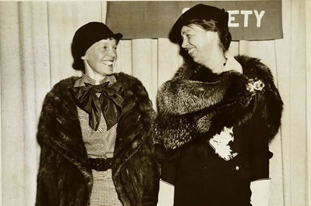 Amelia Earhart and Eleanor Roosevelt, 1935. Inspired by Earhart's example, Roosevelt wanted to obtain a pilot's license, although her husband rejected the idea. Earhart was a frequent visitor to the White House and was likewise influenced by Roosevelt. She supported the first lady's efforts to improve the lives of working women and joined her campaign to promote world peace.