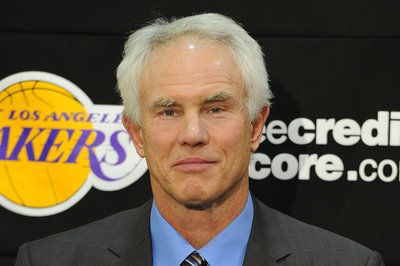 Lakers GM flying to Cleveland to meet with LeBron James' agent- http://getmybuzzup.com/wp-content/uploads/2014/07/327044-thumb.jpg- http://getmybuzzup.com/lakers-gm-flying-cleveland-meet-lebron-james-agent/- By Satchel Price LeBron James is reportedly considering leaving Miami, so the Lakers are sending their general manager to Cleveland to talk with his agent. The Los Angeles Lakers are sending general manager Mitch Kupchak to Cleveland to meet with LeBron James' agent