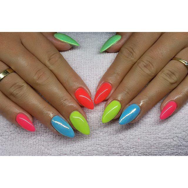 Kolorki :) #semilac #diamondcosmetics #ilovesemilac #nailart #nails #hybryda…