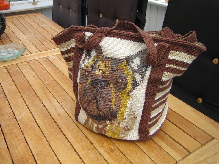 hæklet taske med fransk bulldog eget design Dansk opskrift