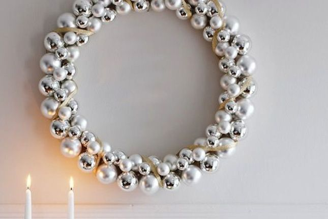 A chic ornament wreath? Yes, please!