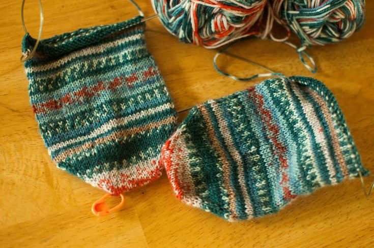 A favorite sock knitting yarn can be as individual as one's favorite perfume. Figuring out the best choice for your feet. #knitting #patterns | www.housewiveshobbies.com |