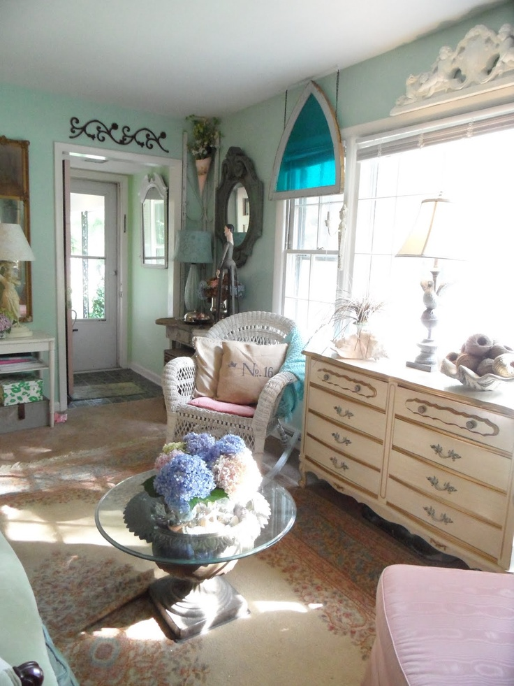 17 Best Images About Shabby Chic On Pinterest Romantic Painted Cottage And Vintage Bedrooms
