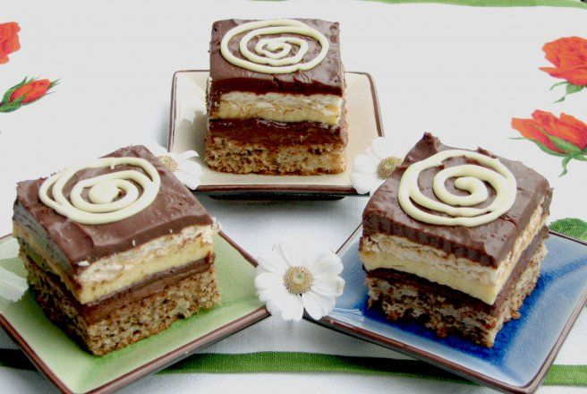 Retete Culinare - Prajitura cu vanilie si ciocolata