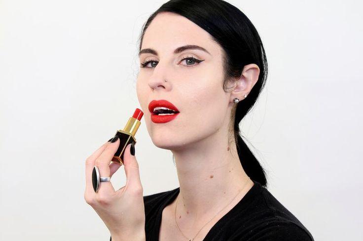 loving makeup doesn't make me a anti-feminist