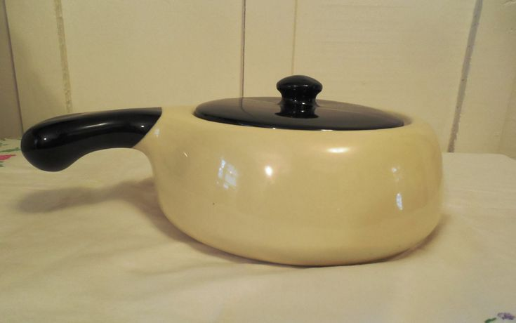 "Hull 8"" Dutch Oven, Vintage Hull Pottery, No. 28-8, Hull Oven Proof USA, Black and Cream Ceramic Dutch Oven, Hull Pottery Kitchenware by ShellyisVintage on Etsy"