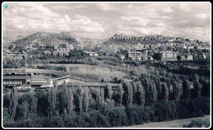 19 Mayıs stadyumu ilerde Hıdırlık tepe ve Ankara kalesi
