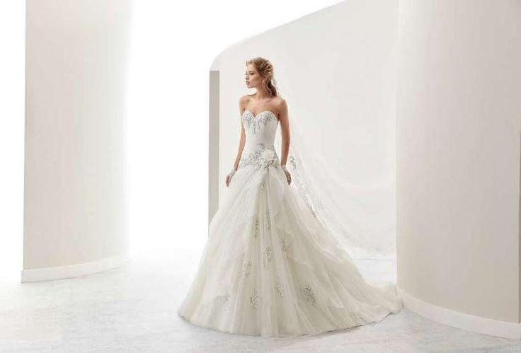 Jolies abiti da sposa 2017 - Abito con cristalli e ricami grigi