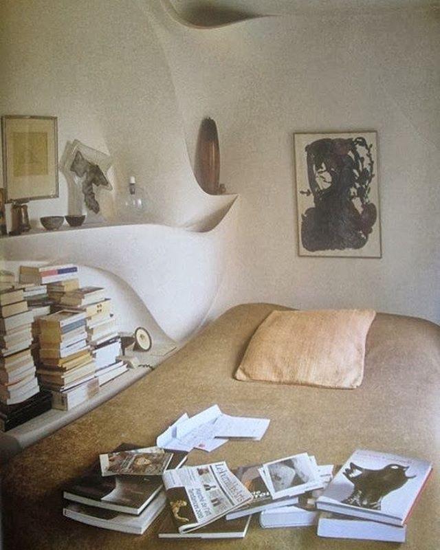 Ceramicist Valentine Schlegelu0027s bedroom from World of