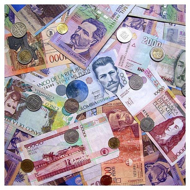 #colombia #cosascolombianas #currency #money #dinero #plata #pesos #mil #medellin #instapic #bogota #cali #barranquilla #pereira #coins #bills