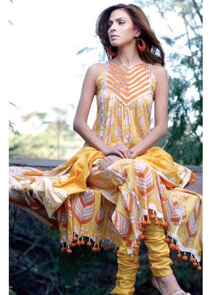 Impresionante traje amarillo pakistaní Gul Ahmed