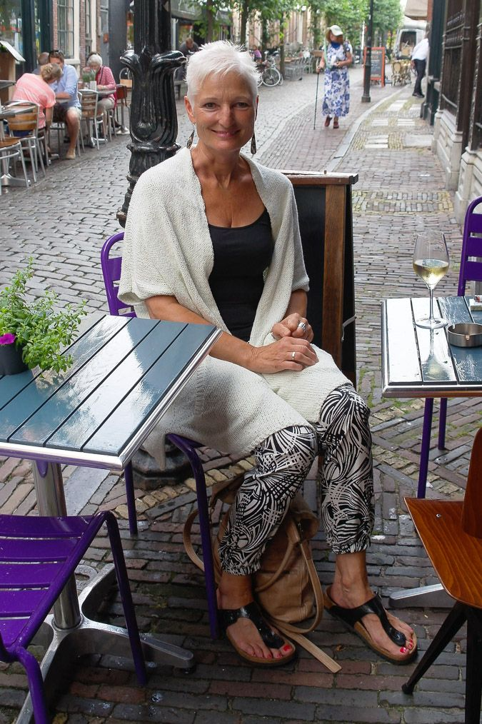 Street Style women over 40