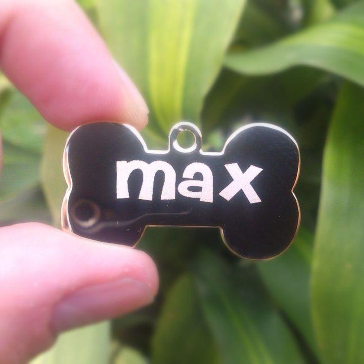 Placa de Lujo hueso brillante de MAX  #PlacasParaMascotas #Identificacion #Hueso #Brillante #Colombia #Cachorro #Perros #MascotasColombia #PetLovers #Joyas #Lujo