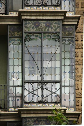 ) Barcelona - Carrer de València: Street, Art Nouveau, Art Deco Window, Barcelona, Apartment Facade, Photo