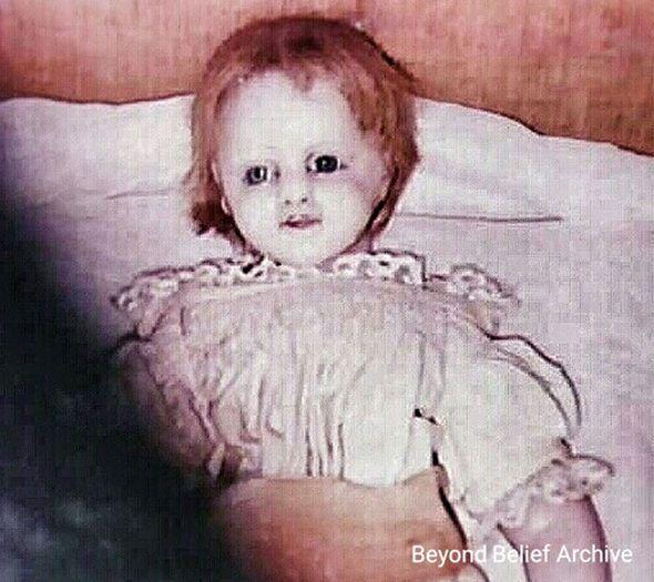 Boneka Pemalu Paling Seram Ini Bisa Buat Kamu Merinding Dingin | Berita Harian
