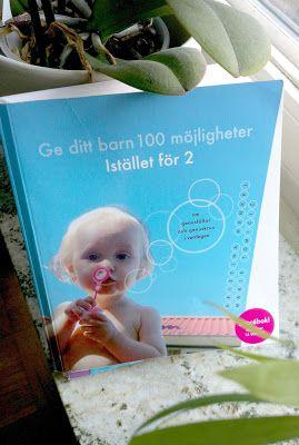 """I """"Ge ditt barn 100 möjligheter istället för 2"""" (av Kristina Henkel och Marie Tomicic) finns det ett kapitel om böcker. Författarna belyser att det finns gott om genusfällor i den litteratur som våra barn möter dagligen."""