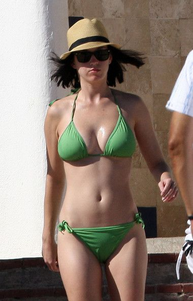 How Much Vitamin D Should You Take Daily (Katy Perry getting free vitamin D from the sun): This is controversial but very important. If you take too much, that is not good. But if you do not take enough then you will not get all the protection from a disease that this can provide.