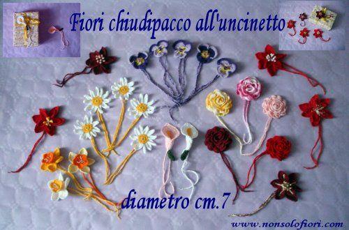 Margherite, calle, violette, roselline, narcisi e stelle di natale all'uncinetto - diametro cm 7  www.nonsolofiori.com