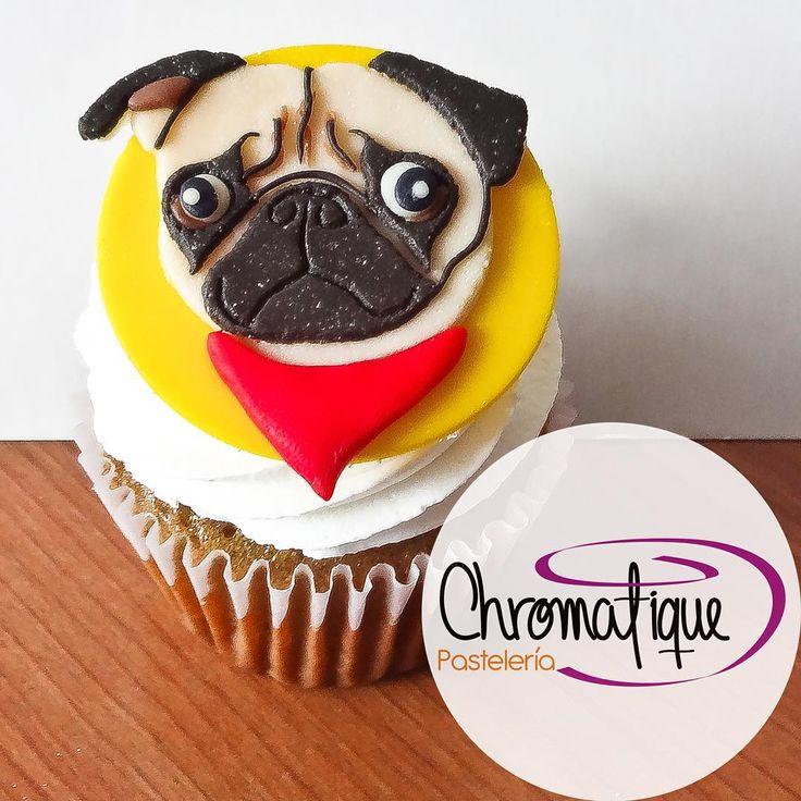 Pug cupcake (Cupcake de Pug) https://www.facebook.com/ChromatiquePasteleria