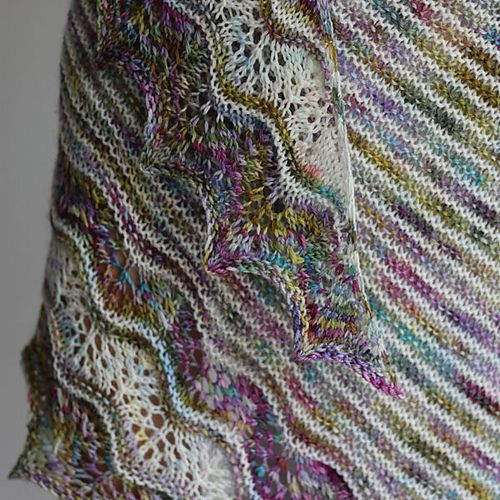Free Knitting Patterns For Variegated Yarn : 166 best Patterns for Variegated Yarns images on Pinterest Knitting, Knit c...