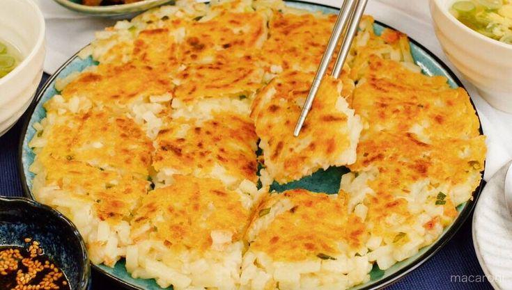 まさかの冷凍うどんで!「うどんチヂミ」のモチモチ食感が本格すぎて予想外! - macaroni