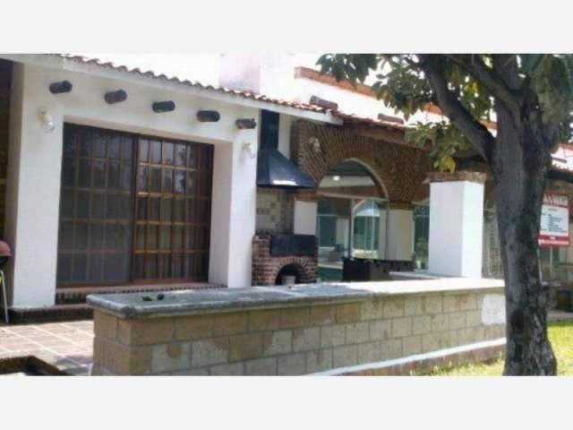 CASA EN VENTA QUERETARO, SAN JUAN DEL RIO, SAN GIL  Estupenda casa en San Gil, con dos terrenos muy bien ubicados, a campo de Golf, dividida en dos ...  http://san-juan-del-rio-city-2.evisos.com.mx/casa-en-venta-queretaro-san-juan-del-rio-id-571519