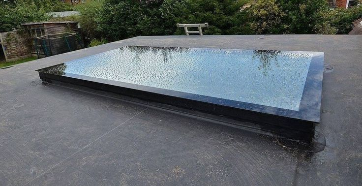 Best 20 flat roof skylights ideas on pinterest for Cleaning velux skylights