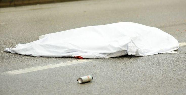 Camion contro bicicletta, muore un ciclista su viale Carlo III a cura di Redazione - http://www.vivicasagiove.it/notizie/camion-contro-bicicletta-morta-una-persona-su-viale-carlo-iii/