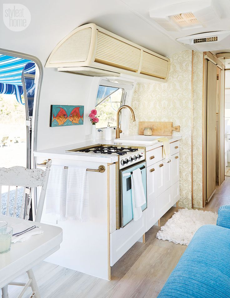 104 best cottage style images on pinterest for Airstream decor