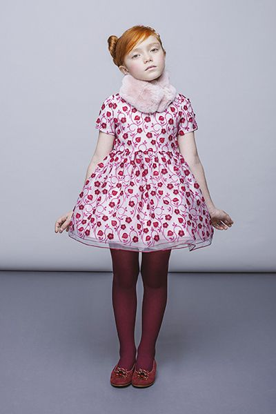 I Pinco Pallino - это итальянский люксовый бренд, под маркой которого производится модная детская одежда, ее создают итальянские дизайнеры-супруги Имельде и Стефано Каваллери с 1980 года. Уже после первой коллекции в 1982 году, одежда для девочек и мальчиков I Pinco Pallino стала продаваться в самых